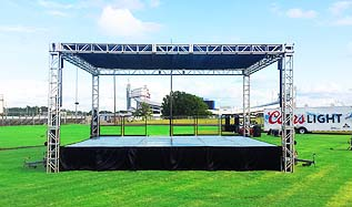 Stage and truss roof for the Southern Heritage Classic